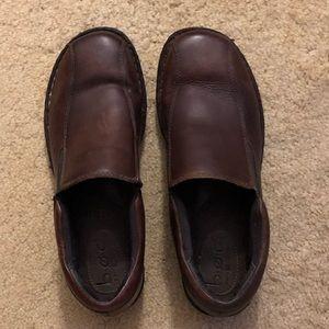 Women's slip on Boc shoes